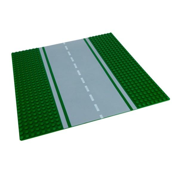 1 x Lego System Platte Straßen Bauplatte grün 8N Strasse gerade 32 x 32 Noppen 32x32 mit Grünstreifen und Markierung 30279pb02 610p01