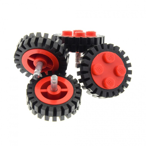 4 x Lego System Rad Felge rot old 2x2 Noppen Räder Reifen schwarz mit Profil Pin Achse Metall grau Auto Anhänger Zug (7039 / 3483) 7039c03